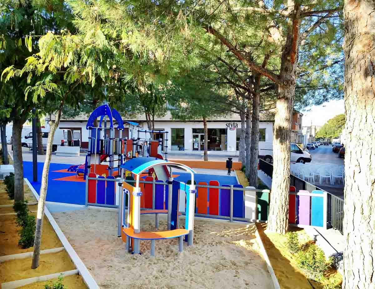 construccion parque infantil en Pinoso por Araque Maqueda Construccion