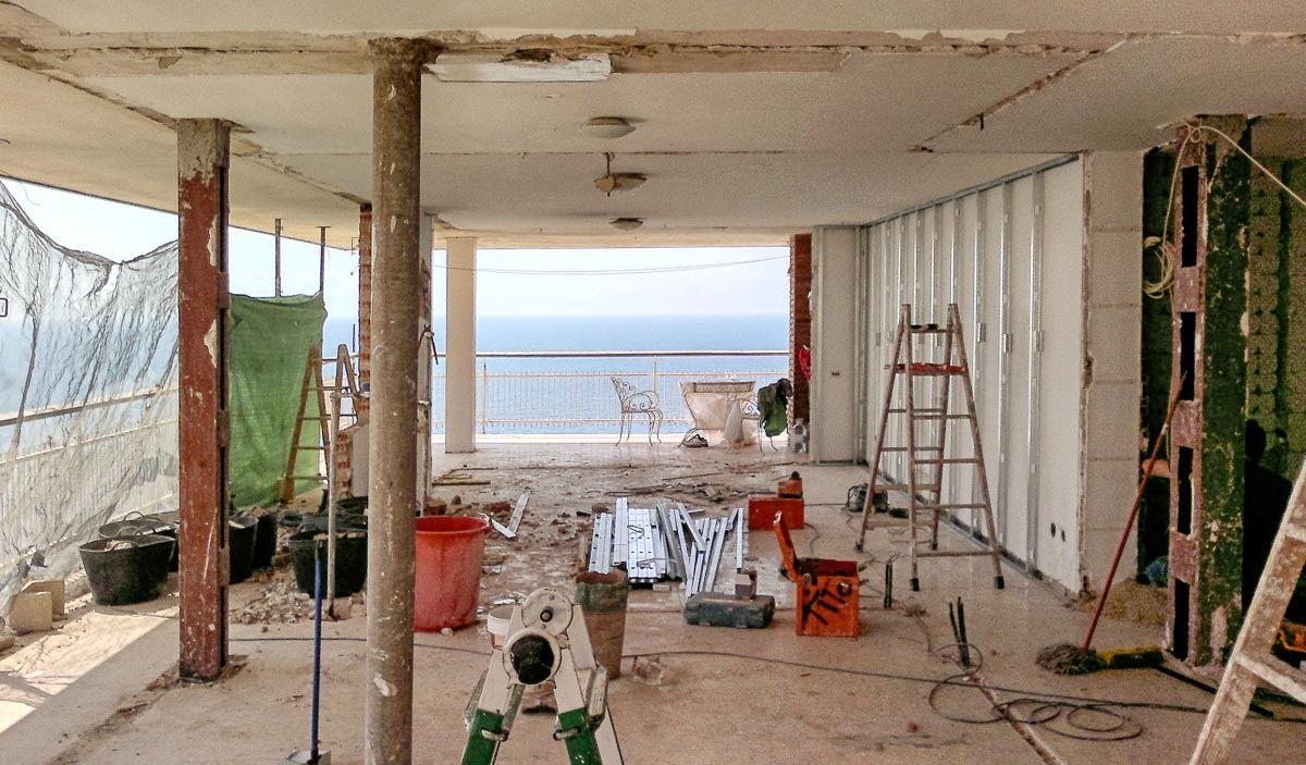 Obra. Reforma de ático en Alicante por Araque Maqueda Construcción
