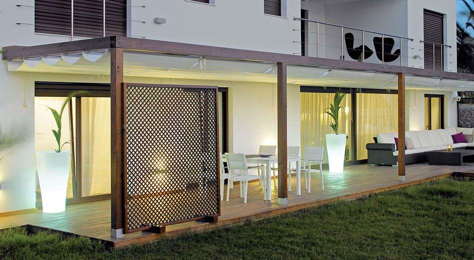 Ideas para reformar la terraza de forma sencilla araque for Pergola jardin madera