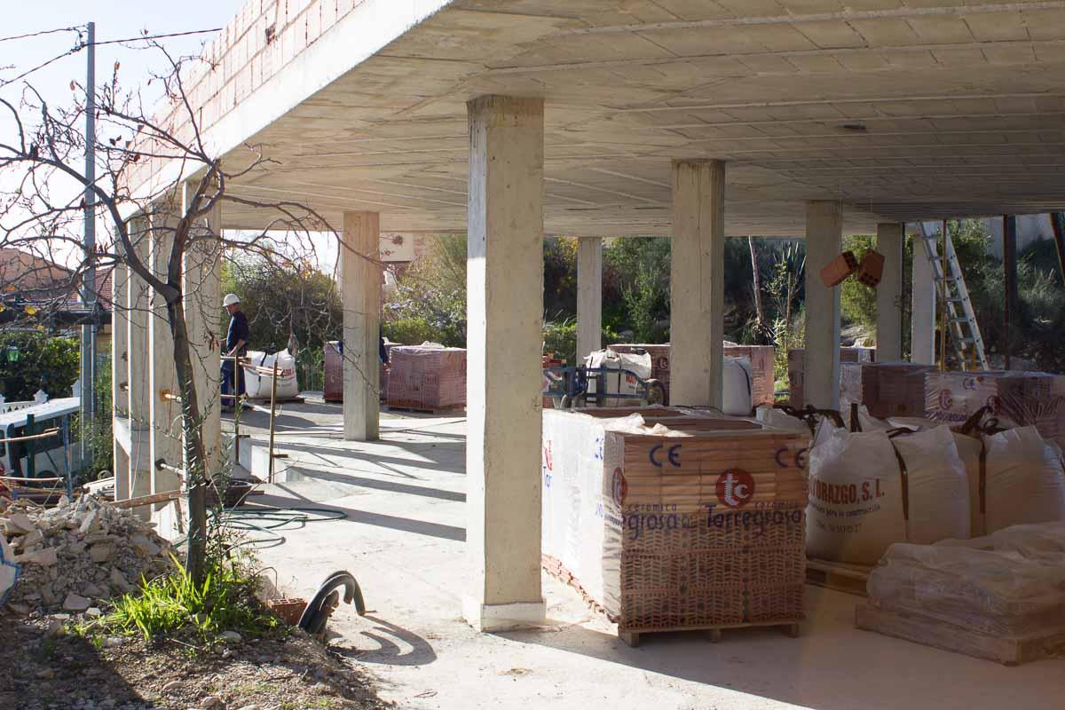 Structure family house in El Campello, Alicante by Araque Maqueda