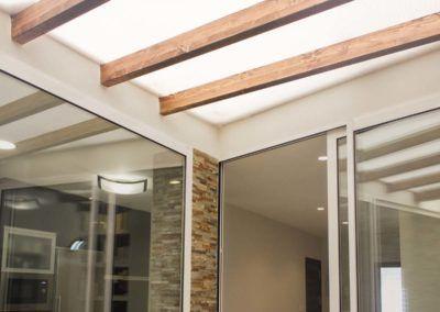 Techo luminoso patio. Reforma vivienda Elda (Allicante) por Araque Maqueda