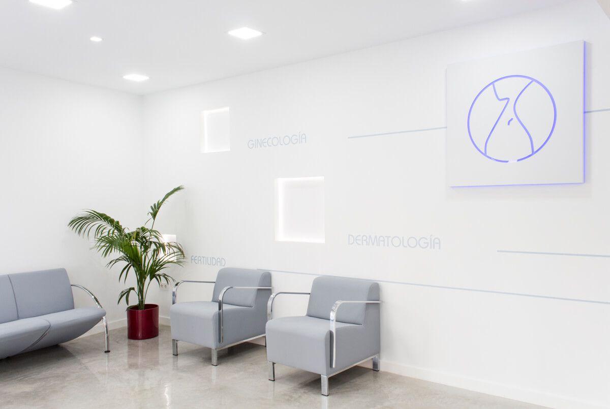 Recibidor 2. Reforma de local comercial para clínica en Elda por Araque Maqueda