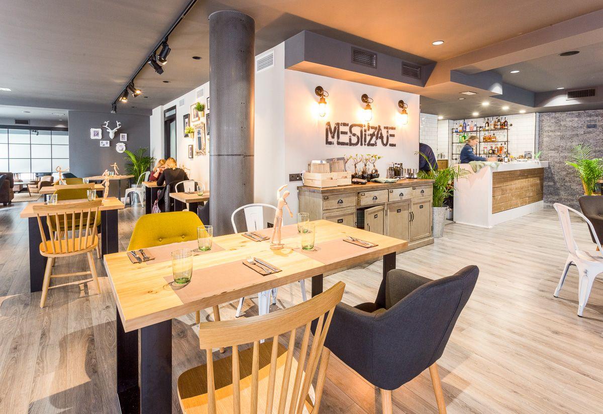 Planta superior Reforma de interiorismo en Restaurante por Araque Maqueda