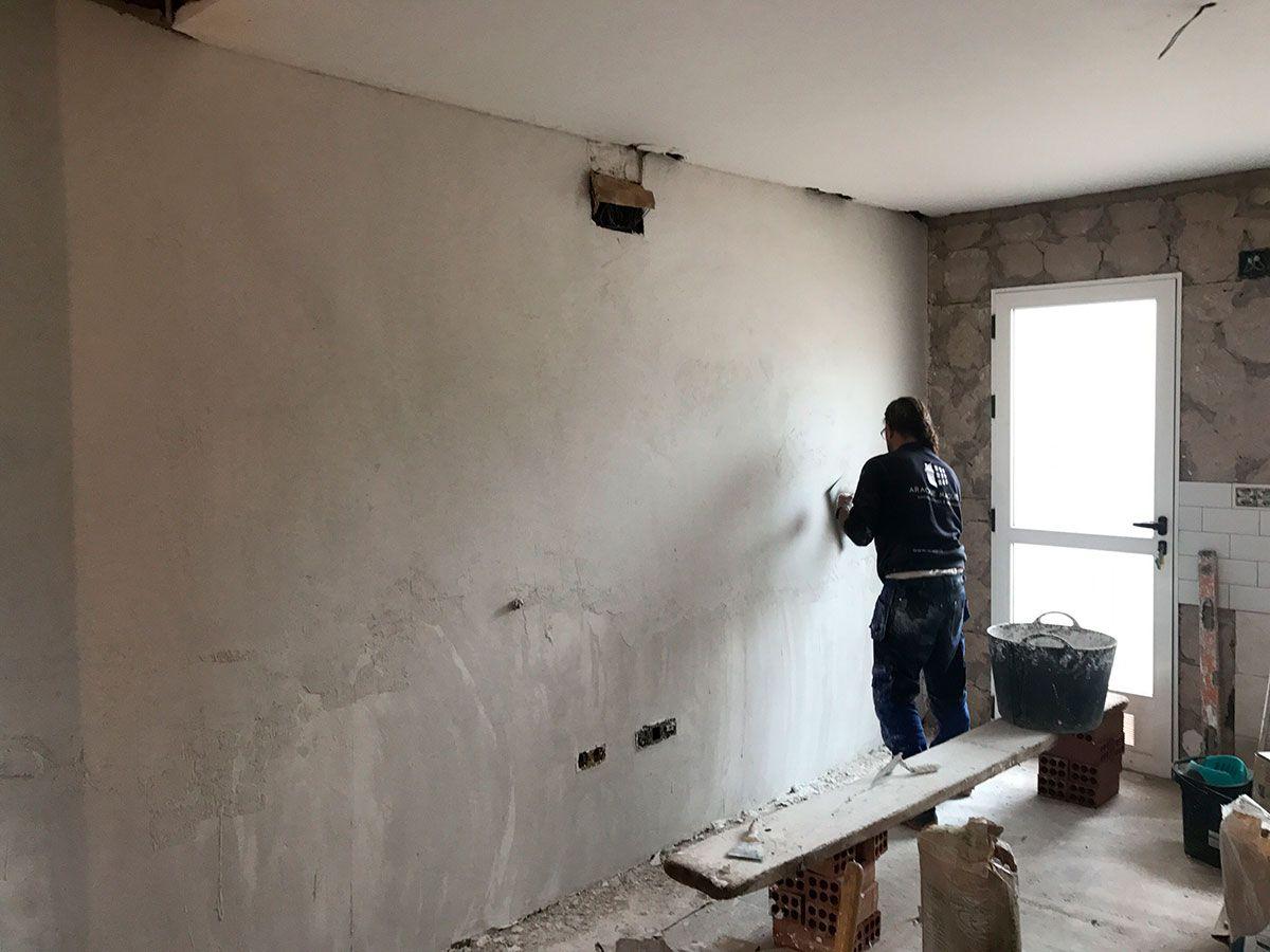 Alisado de paredes en Obra de reforma de adosado por araque maqueda