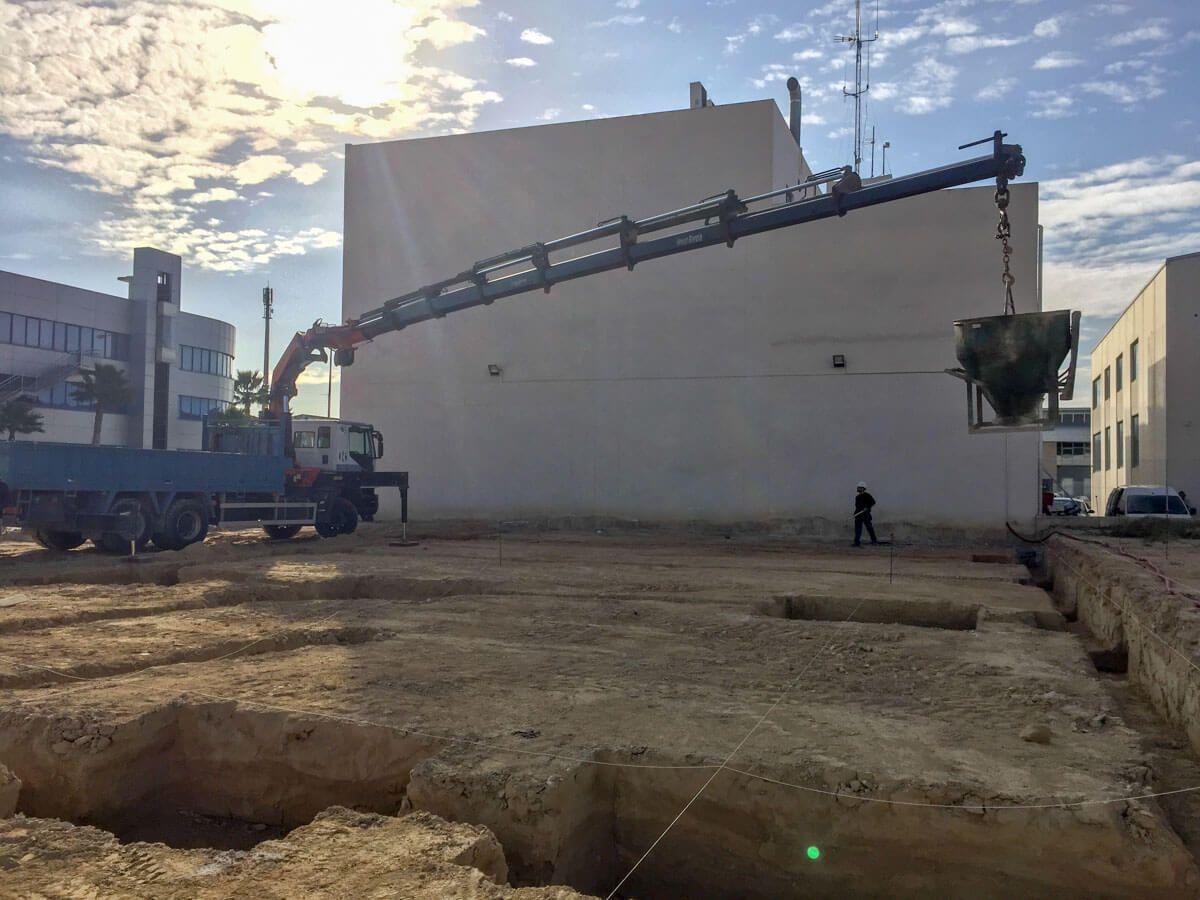 hormigon de limpieza nave industrial en Alicante por Araque Maqueda