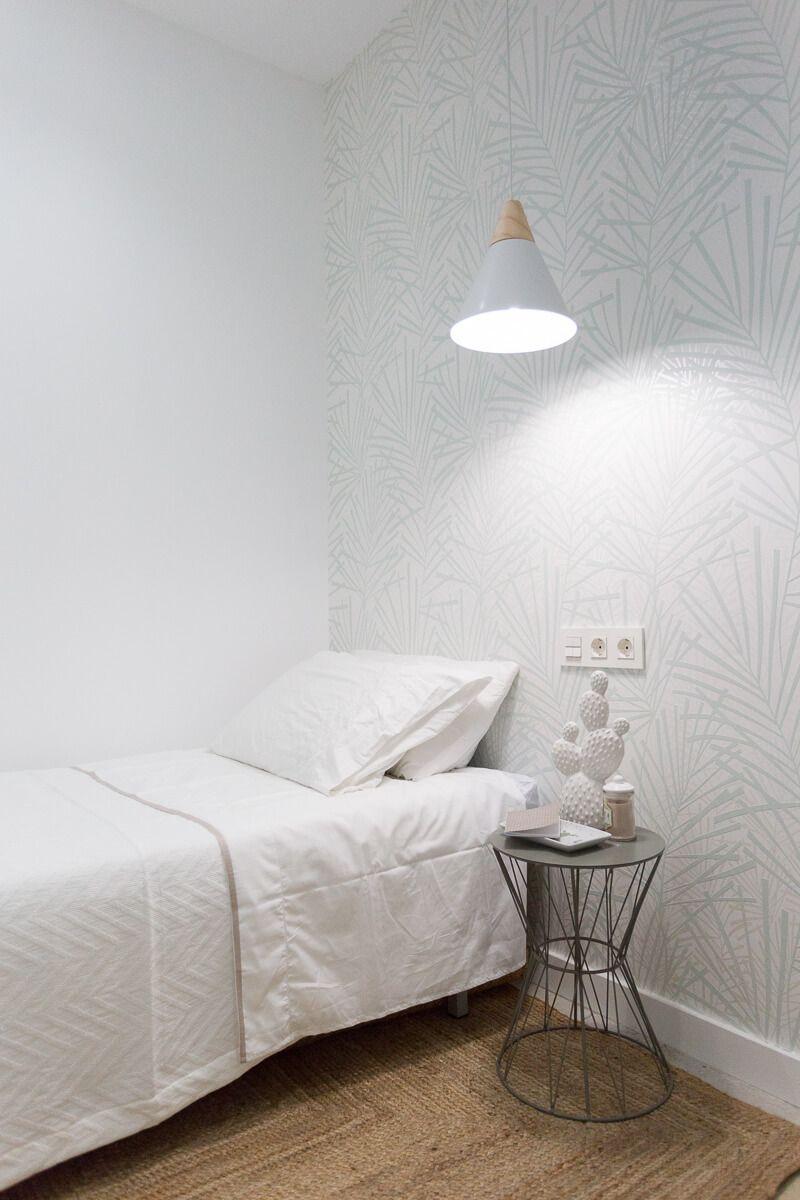 Dormitorio invitados Baño privado de reforma de apartamento en Alicante por Araque Maqueda
