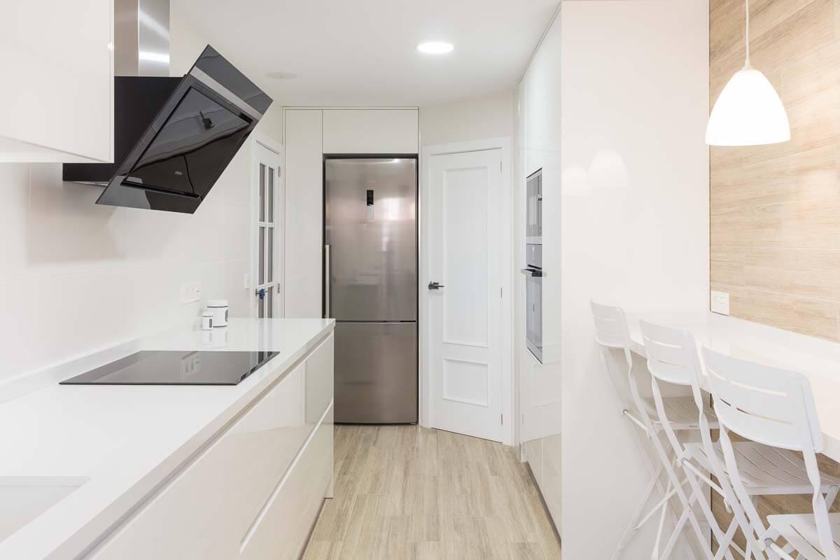 Vista espacio. reforma de cocina de cocina en Elda por Araque Maqueda.