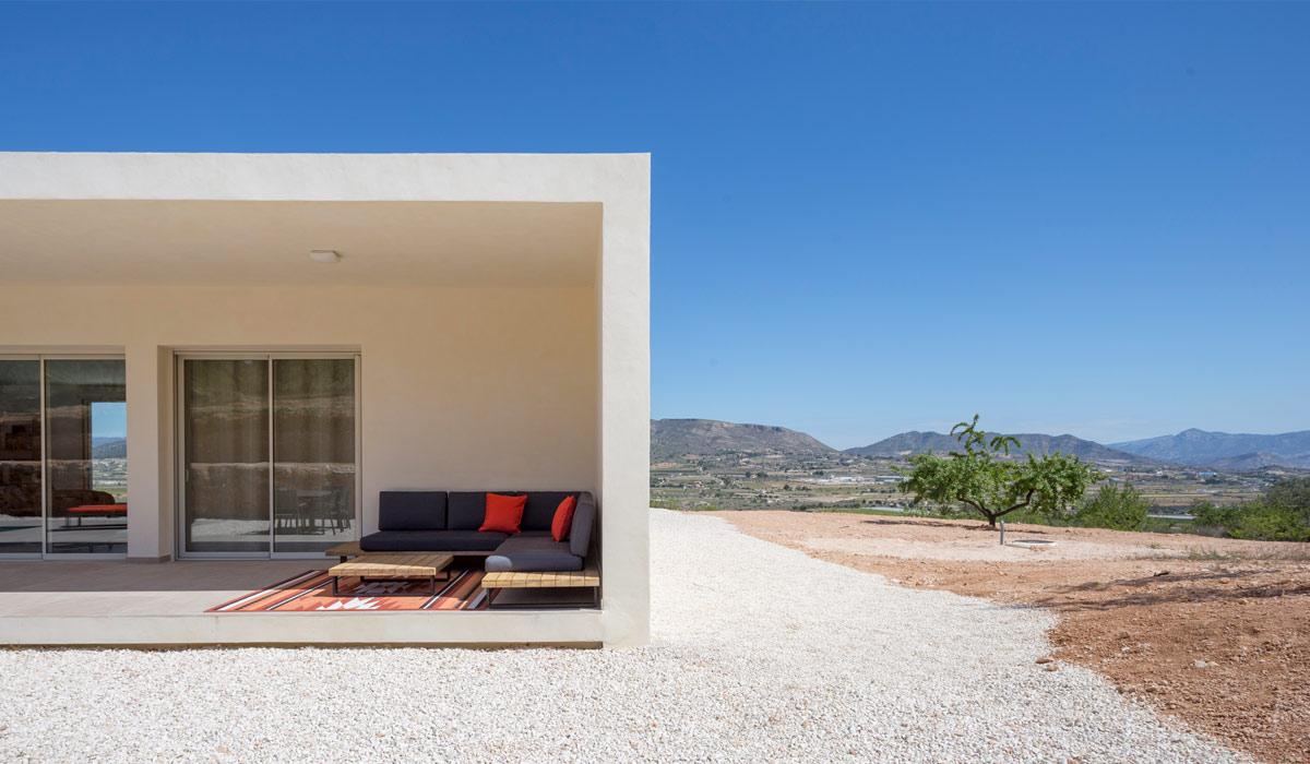 Detalle obra finalizada de proyecto de chalet en Hondón de las Nieves (Alicante) por Araque Maqueda