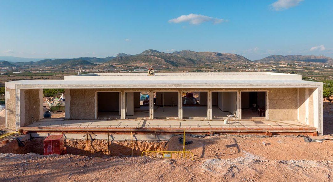 House building process in Hondón de las Nieves (Alicante)