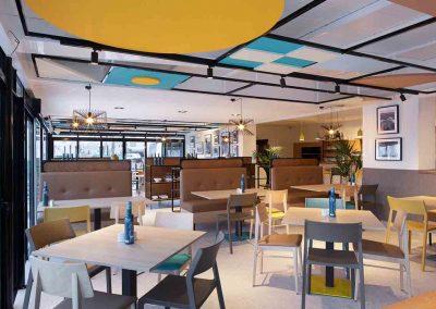 Mesa restaurante decoración Araque Maqueda
